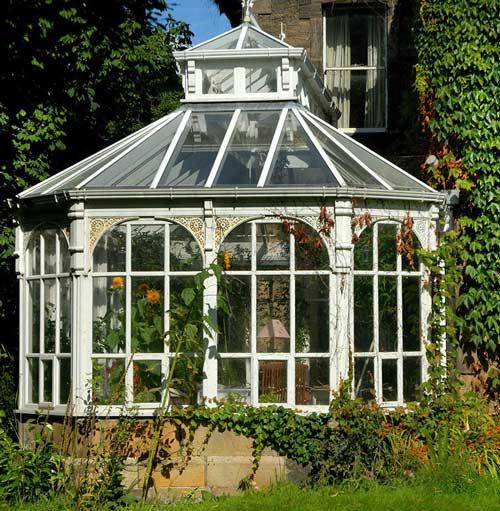 آلاچیق شیشه ای پشت بام