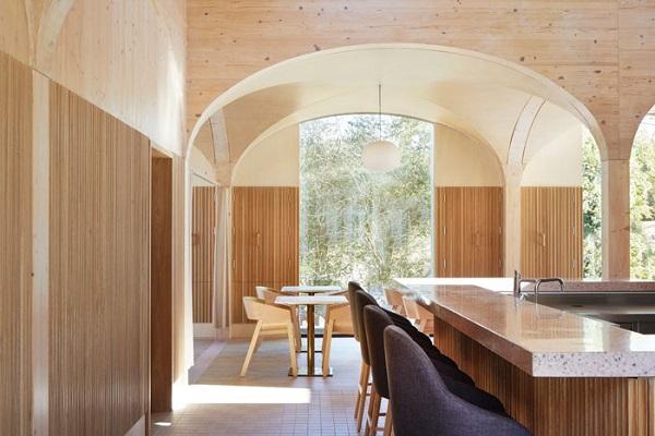 دکوراسیون رستوران چوبی سنتی