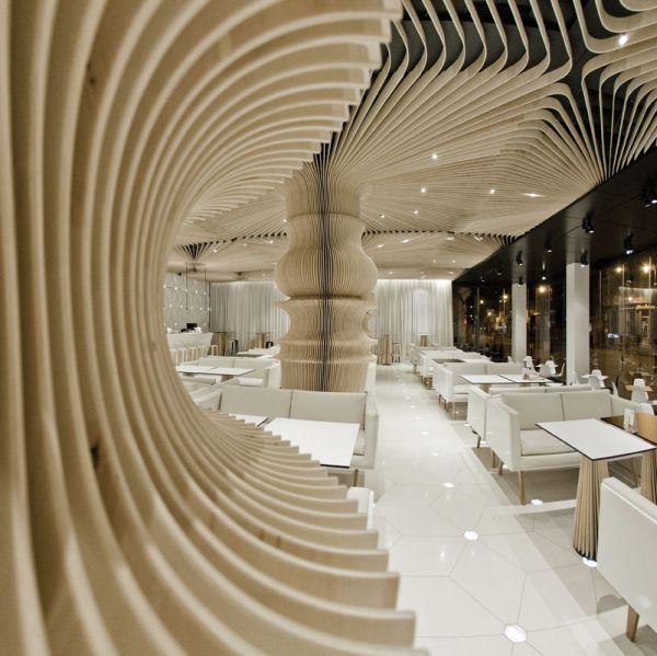 دکوراسیون رستوران چوبی
