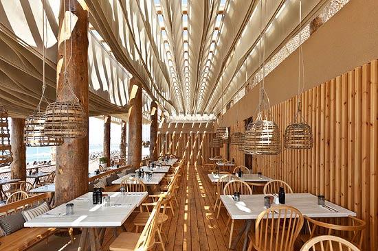 نمای بیرونی دکوراسیون رستوران