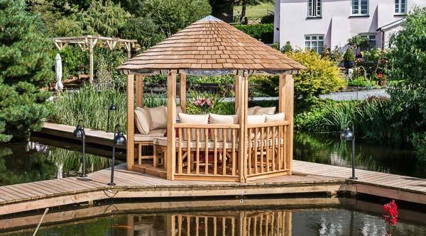آلاچیق چوبی باغی