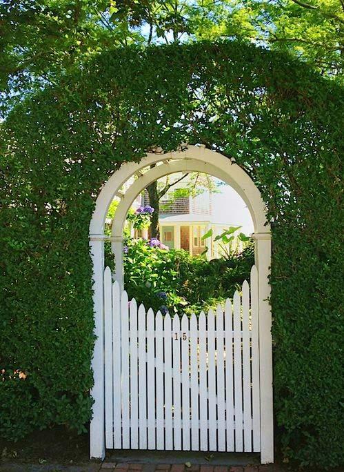 پرگولا ورودی باغ